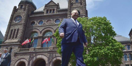 Ontario Tories' seek greater control of Hydro One executive salaries in omnibus bill