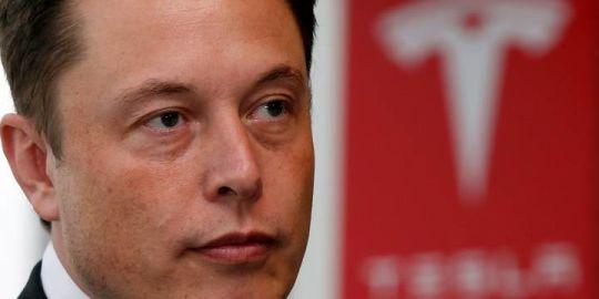 Elon Musk says Saudi Arabia could finance bid to take Tesla private