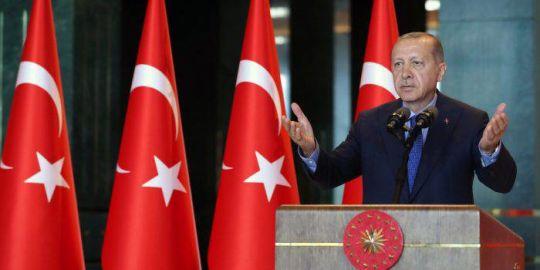 Erdogan blames 'economic terrorists on social media' for Turkey's lira woes