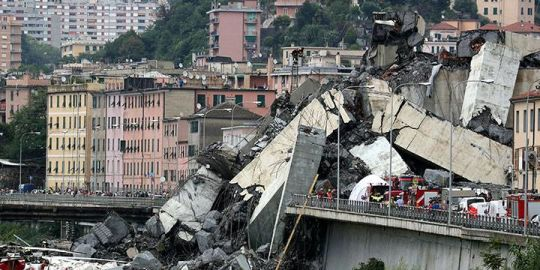 Shocking images show aftermath of bridge collapse in Genoa, Italy