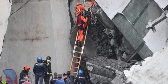 Italy bridge collapse: Death toll climbs to 37, rescuers race to find survivors