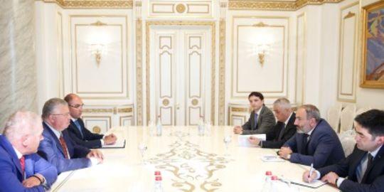 Նիկոլ Փաշինյանն ընդունել է Եվրասիական զարգացման բանկի վարչության նախագահին (ֆոտո)
