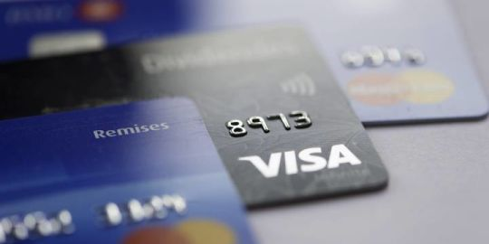 Manitoba, Saskatchewan residents in 'toxic relationship' with their debt, national survey shows