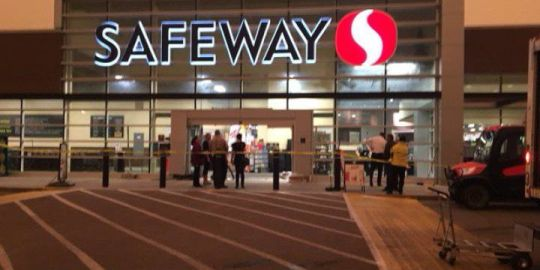 Vehicle crashes into Sherwood Park Safeway