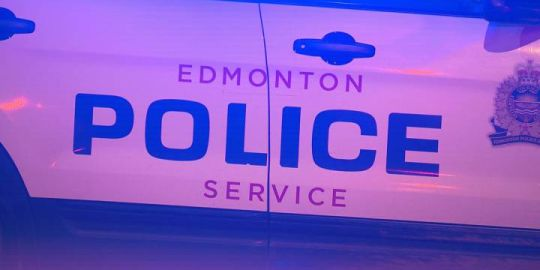Man suffers life-threatening injuries after high-speed crash on Kingsway: Edmonton police