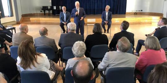 Liberals meet with anglophone community leaders at Dawson College