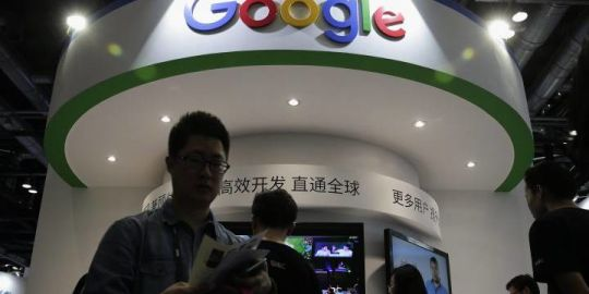 Workers protest Google's censored search engine plans for China