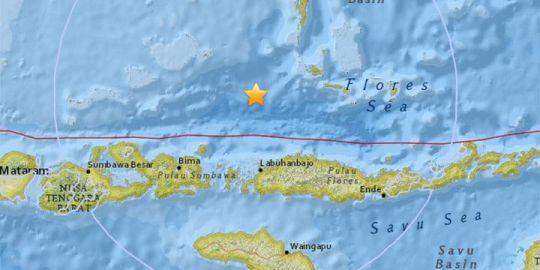 6.5 magnitude earthquake rattles Indonesia's Lombok coast