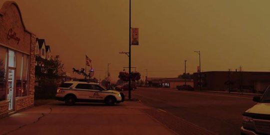 Wildfire smoke turns day into night in northern Alberta