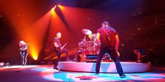 Metallica leaves fans and foodbank happy with 10K donation to Winnipeg Harvest