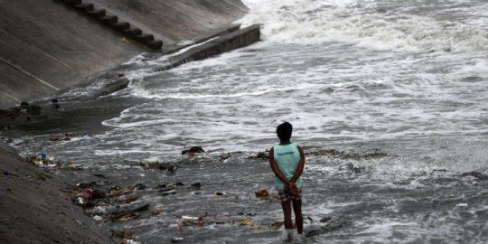 Typhoon Mangkhut hit south China after killing at least 36 in Philippines