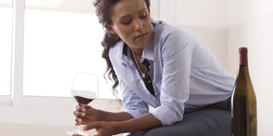 Should people with depression avoid drinking alcohol?