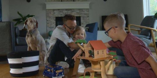 'Mom feels more like a dad': how Alberta couple explained transition to 5 kids