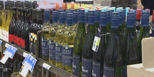 Customers, union ponder solutions to Manitoba liquor store thefts