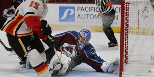 Gaudreau scores in overtime to lift Calgary Flames over Avalanche 3-2