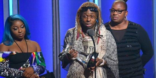 Lil Wayne addresses suicide attempt, near-death experience in BET speech