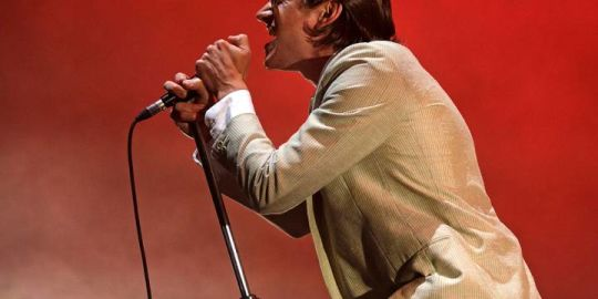 Arctic Monkeys release album documentary alongside new single