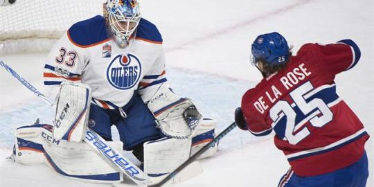 Red Wings claim winger de la Rose off waivers from Montreal
