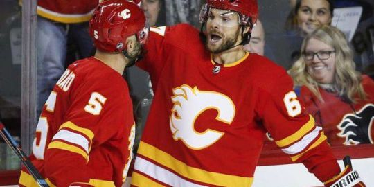 Michael Frolik scores twice for Calgary Flames in 5 2 win over Boston Bruins