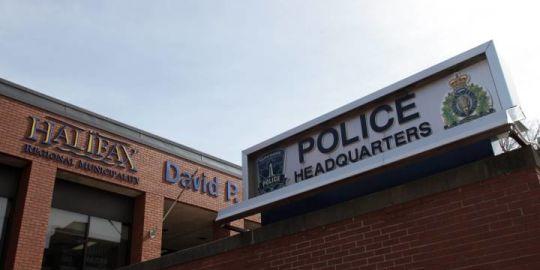 Crash between dump truck, 2 vehicles causing traffic headaches in Dartmouth