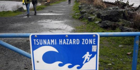 Earthquake early-warning system installed off coast of British Columbia
