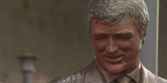Pat Quinn statue vandalized outside Rogers Arena