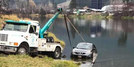 Stolen vehicle towed out of Shuswap River in Enderby