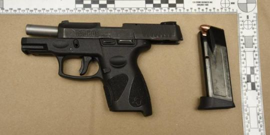 Hamilton police seize drugs and gun after traffic stop