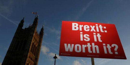 Live coverage: Brexit draft causes turmoil in U.K. Parliament