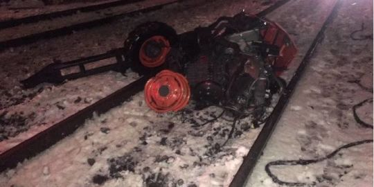 GO Train collides with snow-clearing machine in Mississauga