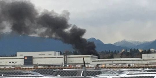 Fire at Canada Post processing centre at Vancouver's YVR airport
