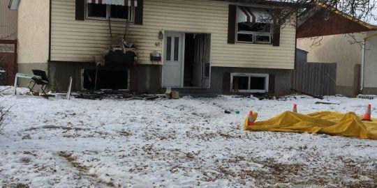 Saturday morning fire on Martell Crescent kills person, dog: Winnipeg fire, EMS