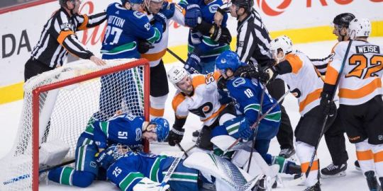 Brock Boeser leads Vancouver Canucks to 5-1 win over Philadelphia Flyers