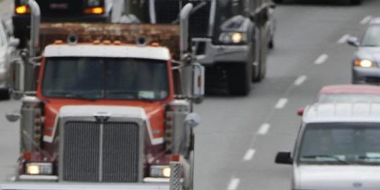 Quebec dump truck demonstration could disrupt Monday morning rush hour