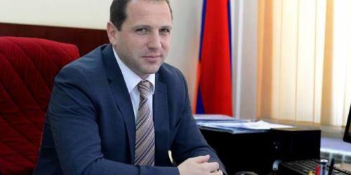 ՀՀ պաշտպանության նախարարը հանձնարարել է զինկոմիսարիատների մասին  որոշումները հետաձգել մինչև հունիսի 21-ը