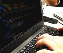 【システムエンジニア】 JavaやC#を用いたWebアプリケーションシステム開発(経験スキルに応じて業務内容相談可)