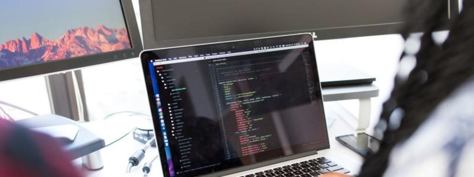 【プログラマー・SE】 月間アクセスユーザ数1,000万人を突破するWebサービスの開発を担当!
