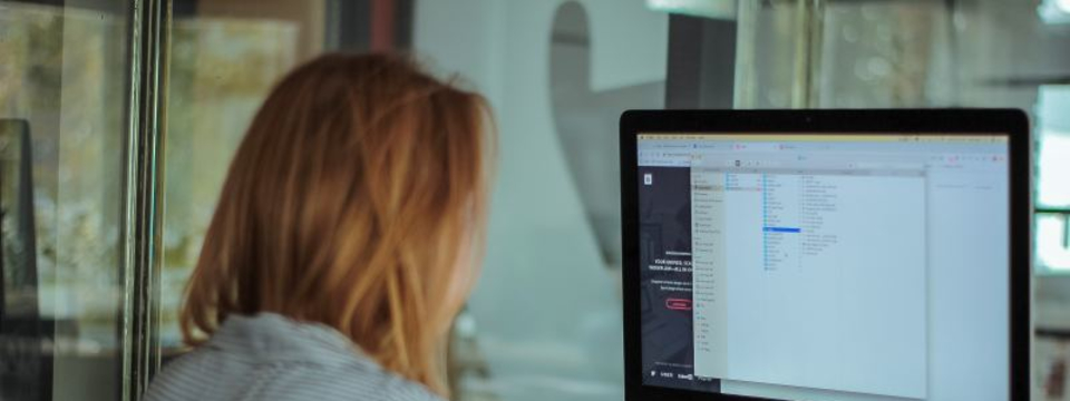 【フロントエンドエンジニア】JavaScriptを用いた業務システム開発!