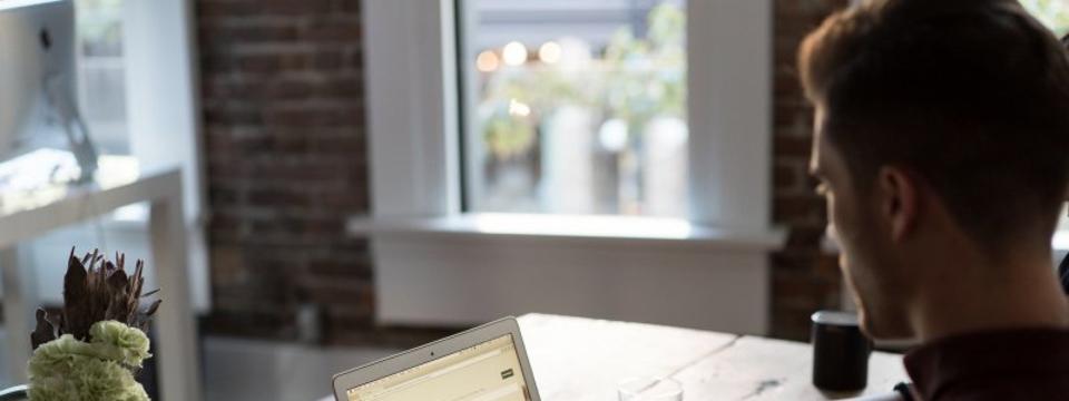 【クラウドエンジニア】自社サービスのクラウド環境の設計/構築/運用