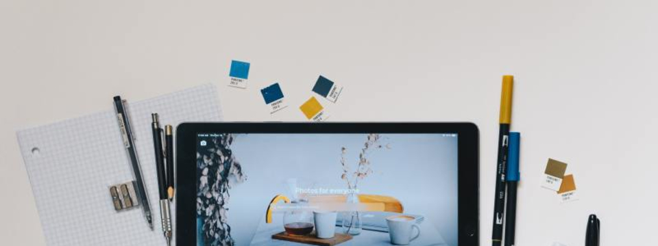 【UIUXデザイナー】デザインやコーディング、サービスロゴのデザインができる!
