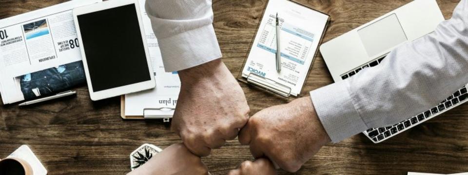 【営業職(マネジャー)】 インフルエンサー事業での新規・既存顧客への営業