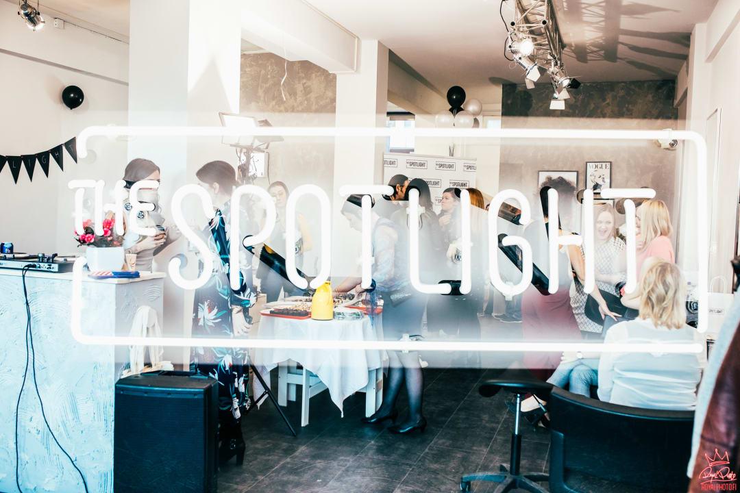 The Spotlight - Parturi-kampaamo & meikkistudio