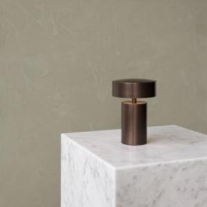 Menu Bordlampe Column Bronze