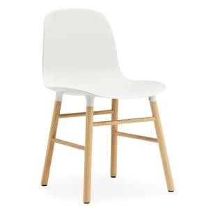Normann Copenhagen form stol hvit/eik