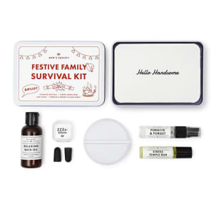 Men`s society gaveeske Festive family survival kit