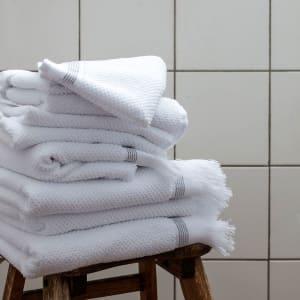 Meraki Badehåndkle Hvitt Med Grå Striper