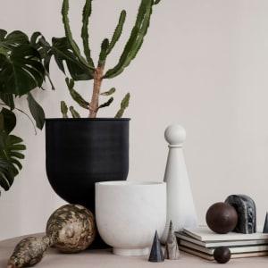 Ferm Living Hourglass Pot Small