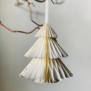 UND Hengepynt Juletre 12 cm Hvit