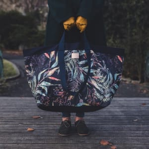 und carry on veske giant tote print/navy