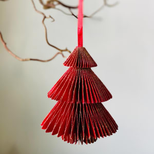 UND Hengepynt Juletre 12 cm Rød